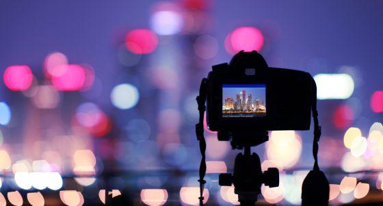 Integración de textos en pantalla para proyectos audiovisuales multimedia