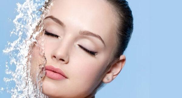 Análisis y Selección de Medios para los Cuidados Estéticos de Higiene e Hidratación Facial y Corporal