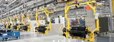 Aprovisionamiento de materias primas en líneas de producción en fabricación mecánica
