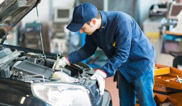 PRL en Talleres de Reparación de Automóviles y Primeros Auxilios