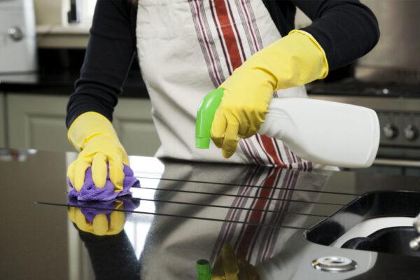 Técnicas de limpieza de mobiliario