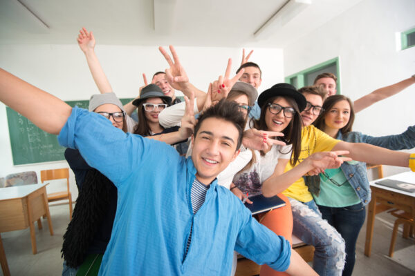 Aplicación de procesos educativos y socializadores en la infancia y la juventud